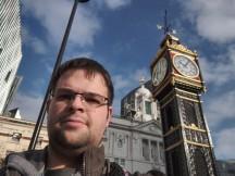 Razer Phone selfies: HDR On - f/2.0, ISO 100, 1/2405s - Razer Phone review
