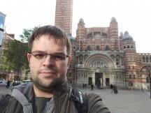 Razer Phone selfies: HDR Off - f/2.0, ISO 100, 1/469s - Razer Phone review