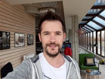 Selfie samples - f/1.9, ISO 40, 1/103s - Samsung Galaxy J7 Pro review