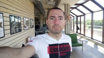 Selfie samples - f/2.0, ISO 125, 1/100s - Sony Xperia XA1 Ultra review