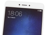 the earpiece above the screen - Xiaomi Redmi Note 4 Snapdragon review