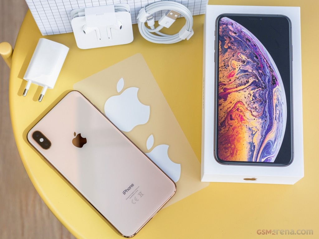 Apple iPhone XS Max pictures, official photos