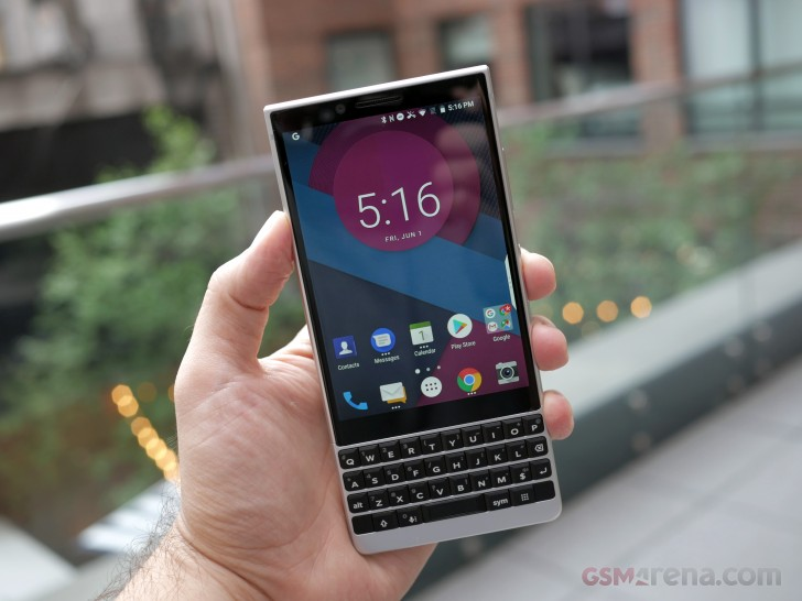 BlackBerry KEY2 LE hands-on review