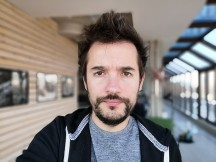 Selfie portraits - f/2.0, ISO 50, 1/121s - Honor Magic 2 review