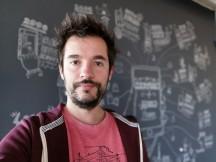 Selfie portraits - f/2.0, ISO 100, 1/33s - Honor Magic 2 review