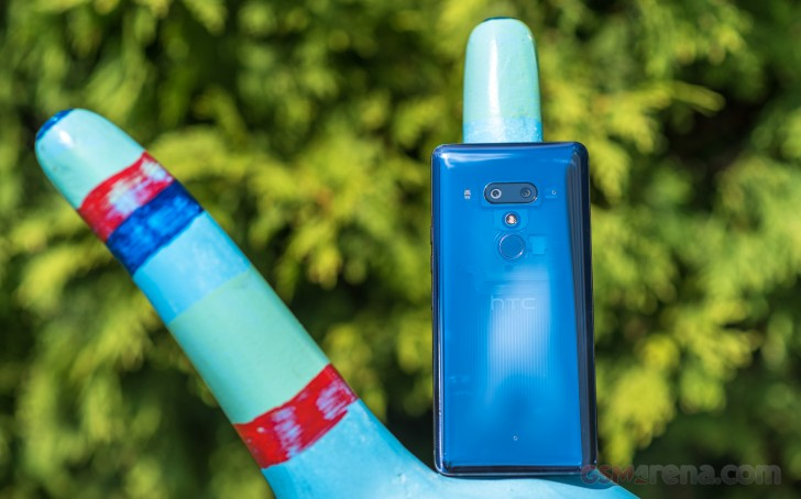 HTC U12+ review: UI, apps, and benchmark performance