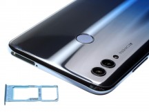 Honor 10 Lite from the sides - Huawei Honor 10 Lite review