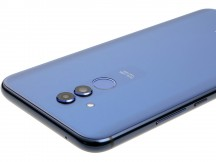 Controls on the right - Huawei Mate 20 lite review