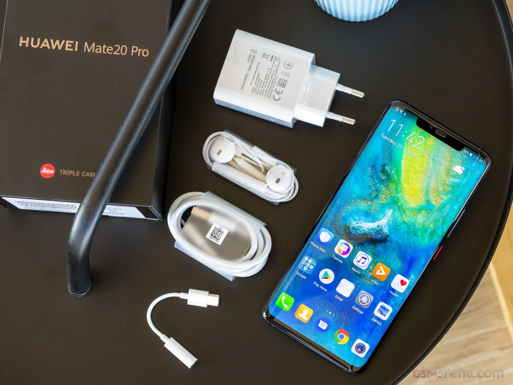 Huawei Mate 20 Pro unboxed