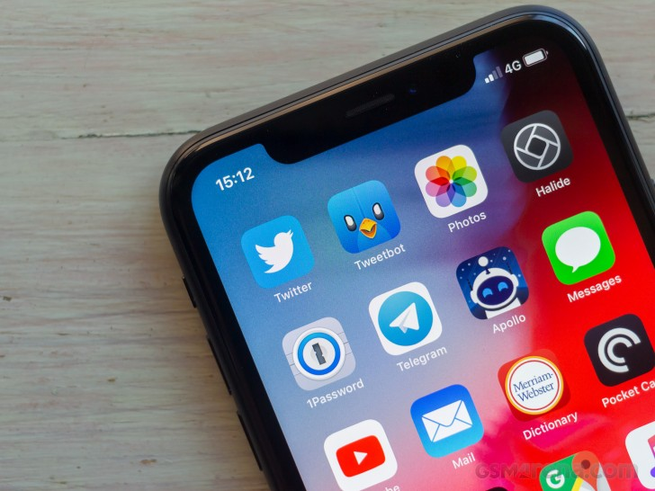 Apple iPhone XR review: Lab tests - display, loudspeaker