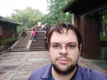 Meizu 15 selfie samples - f/2.0, ISO 50, 1/61s - Meizu 15 review