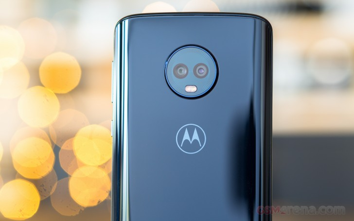 Motorola Moto G6 Plus review: Design, 360-degree spin