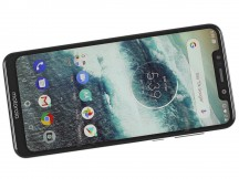 Motorola One front side - Motorola One review