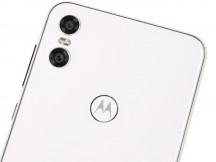 Back side - Motorola One review
