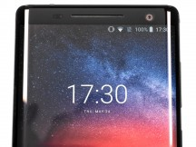 16: Top bezel with large earpiece - Nokia 8 Sirocco review