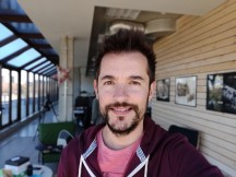 Selfie samples, portrait mode - f/2.0, ISO 100, 1/133s - Oneplus 6T review