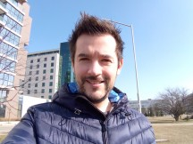 Selfie samples - narrower FOV - f/2.4, ISO 100, 1/517s - Sony Xperia L2 review