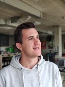 Portrait samples - f/2.4, ISO 159, 1/40s - Xiaomi Mi 8 review
