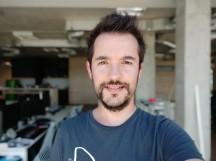 Portrait mode selfie samples - f/2.2, ISO 100, 1/145s - Xiaomi Mi A2 review
