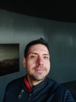 Selfie photos: bokeh - f/2.2, ISO 100, 1/251s - Xiaomi Mi Mix 3 hands-on review