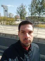 Selfie photos: regular - f/2.2, ISO 100, 1/451s - Xiaomi Mi Mix 3 hands-on review