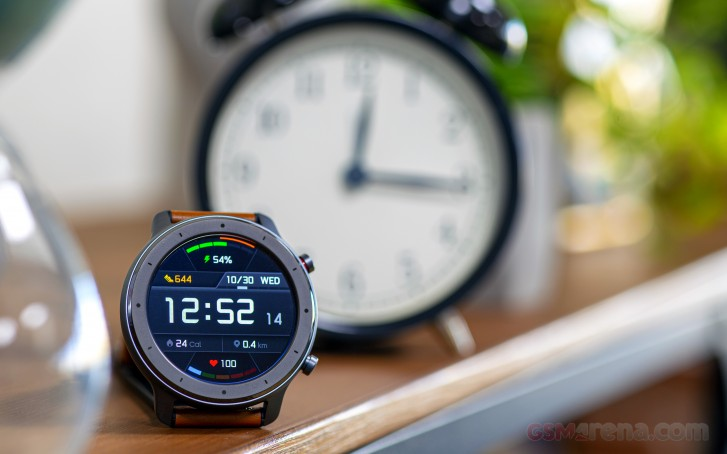https://fdn.gsmarena.com/imgroot/reviews/19/amazfit-gtr/lifestyle/-727w2/gsmarena_006.jpg