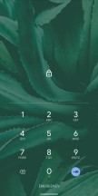 Enter key on lock screen, Emergency button in Power menu - Android Q Beta review