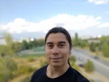 ROG Phone II selfie portrait samples - f/2.0, ISO 25, 1/1109s - Asus ROG Phone II review