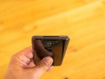 Secondary mic on top - Asus Zenfone 6 hands-on review