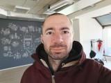 Huawei Mate 20 X 24MP selfies - f/2.0, ISO 400, 1/50s - Huawei Mate 20 X review