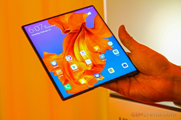Huawei Mate X hands-on review