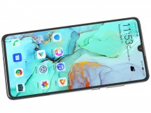 Flat 6.1-inch OLED panel - Huawei P30 review