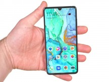 In the hand - Huawei P30 review