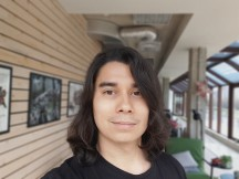 LG G8 camera sample, Selfie: Portrait mode - f/1.7, ISO 50, 1/141s - LG G8 Thinq review