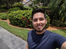 Selfies by Pixel 3a XL - f/2.0, ISO 43, 1/2141s - Motorola Moto Z4 review