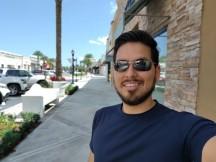 Portrait selfies - f/2.0, ISO 100, 1/952s - Motorola Moto Z4 review