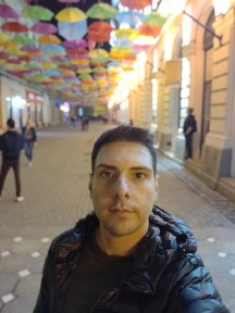 OnePlus 6T camera samples, selfies - f/2.0, ISO 640, 1/17s - OnePlus 6T long-term review