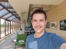 Portrait selfies: OnePlus 7 Pro - f/2.0, ISO 100, 1/455s - OnePlus 7 Pro vs. Samsung Galaxy S10 Plus