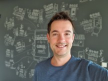 Portrait selfies: Galaxy S10+ - f/1.9, ISO 64, 1/50s - OnePlus 7 Pro vs. Samsung Galaxy S10 Plus