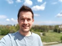Selfie portraits - f/2.0, ISO 99, 1/2513s - Realme 3 Pro review