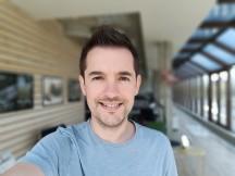 Selfie portraits - f/2.0, ISO 99, 1/357s - Realme 3 Pro review