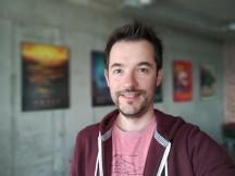 Selfie portraits - f/2.0, ISO 400, 1/25s - Realme X review