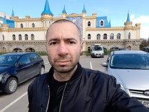Selfies: Normal 12MP - f/2.0, ISO 40, 1/583s - Samsung Galaxy A40 review