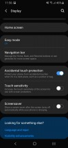 Display menu, home screen settings and navigation bar customization - Samsung Galaxy A40 review