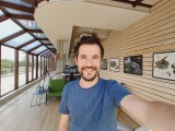 Selfie samples, ultra wide camera, HDR Auto - f/2.2, ISO 40, 1/205s - Samsung Galaxy A80 review