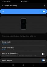 Always On Display - Samsung Galaxy Fold review