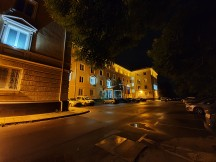 Ultra wide camera, low-light samples, Night mode - f/2.2, ISO 250, 1/4s - Samsung Galaxy S10+ review