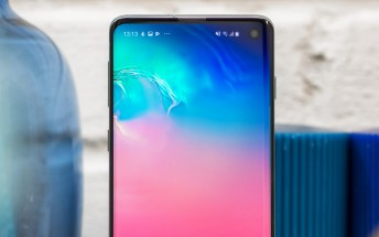 Samsung Galaxy S10 lineup May update now global
