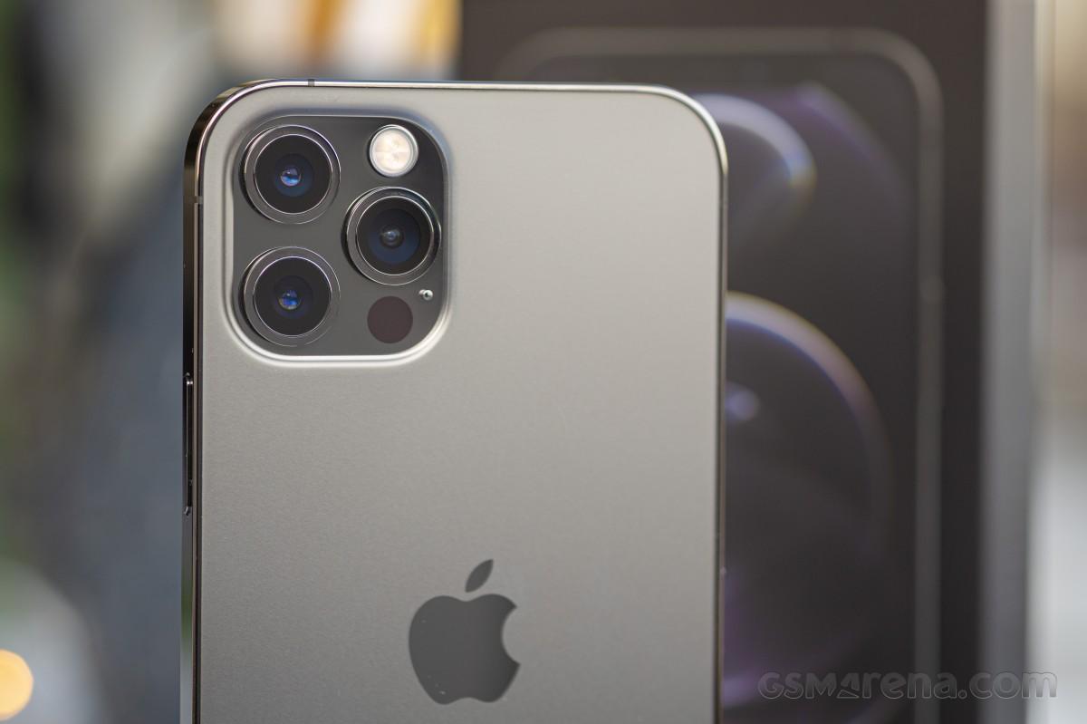 iPhone 12 Pro 镜头模组设计