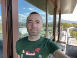 Selfie camera, 12MP - f/2.2, ISO 25, 1/122s - Apple iPhone 12 review